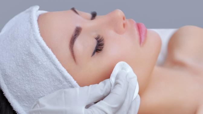Классический или LPG-массаж лица и шеи, механическая, ультразвуковая либо комбинированная чистка лица в«Центре инновационно-эстетической косметологии»