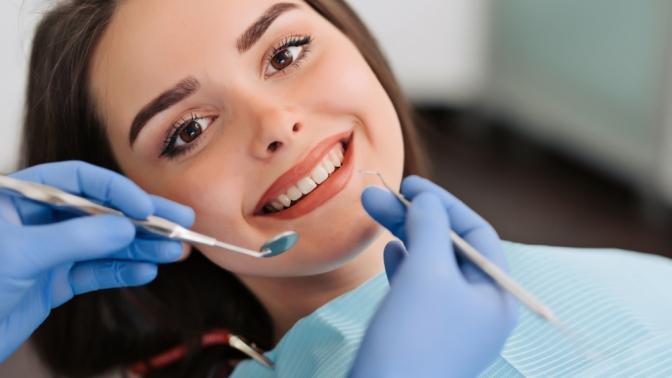 Комплексная гигиена полости рта, ультразвуковая чистка зубов или чистка посистеме AirFlow сполировкой вмедицинском центре «Вереск»