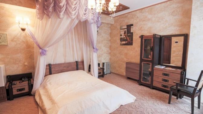 Отдых вномере «Уютный», «Гостевой» или «Боярский» вгостинично-ресторанном комплексе «Рыцарский двор»