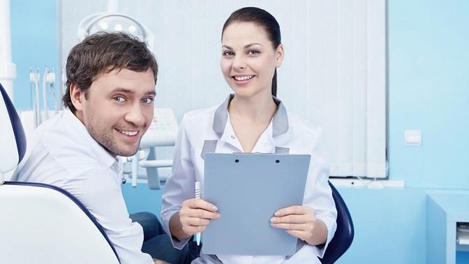 Лечение кариеса сустановкой пломбы встоматологии «Кварцит»
