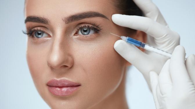 Моделирование лица филлерами, безоперационная подтяжка кожи 3D-мезонитями, инъекционная мезотерапия, инъекции ботокса или диспорта вкабинете косметологии Аrtistry
