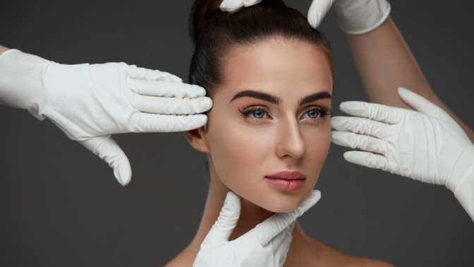 Сеансы ультразвуковой либо механической чистки лица, пилинг вцентре эстетической медицины Sante