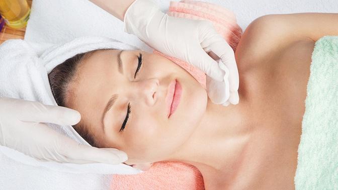 Пилинг, чистка, моделирующий массаж лица, аппаратная безынъекционная мезотерапия, процедура BBGlow Treatment, фотодинамическая терапия или пирсинг всалоне красоты Best