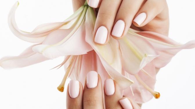 Маникюр ипедикюр спокрытием ногтей гель-лаком всалоне красоты Concept Beauty Lounge