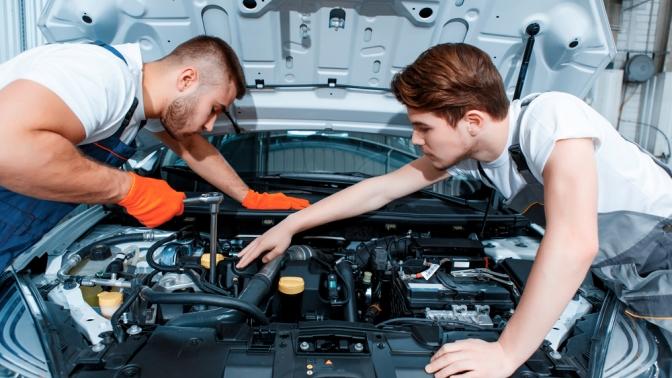Диагностика автомобиля, замена масла иохлаждающей жидкости, регулировка фар, замена тормозных колодок отавтосервиса «Подорожник Авто»