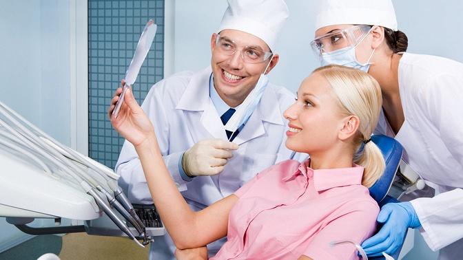 Комплексная гигиена полости рта, ультразвуковая чистка зубов или чистка посистеме AirFlow сполировкой ишлифовкой встоматологии LiDent