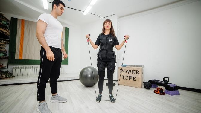 Посещение EMS-тренировок синструктором вфитнес-клубе Power Life