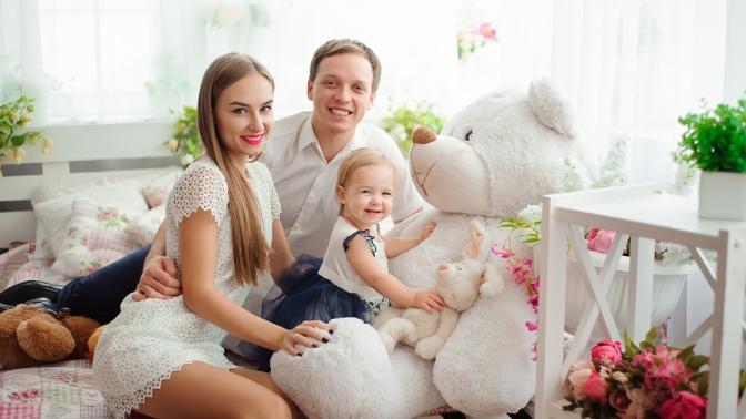 Семейная, детская, индивидуальная или тематическая фотосессия продолжительностью 30либо 60минут отфотостудии «Рада радовать»