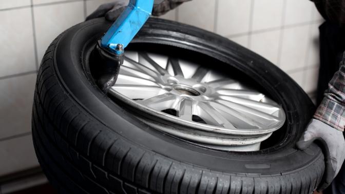 Комплексная замена автомобильных шин радиусом отR12 доR21, ремонт одного колеса откомпании «Шиномонтаж Фрунзе 105»