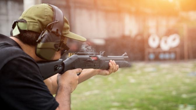 25выстрелов изогнестрельного оружия сарендой беседки смангалом вСК«Гвардейский» (2800руб. вместо 5600руб.)