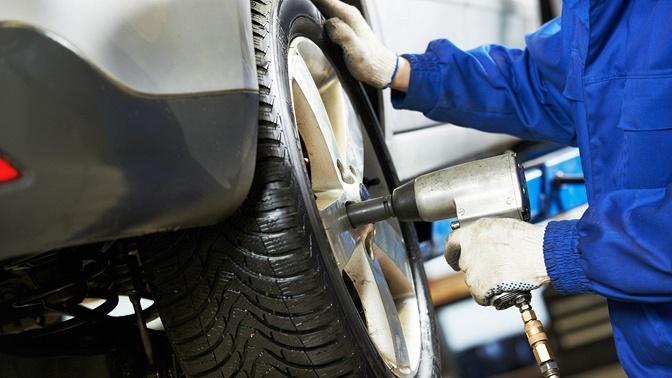 Шиномонтаж четырех колес автомобиля размером отR13 доR22 (включительно) сперебортировкой или без откомпании FullService