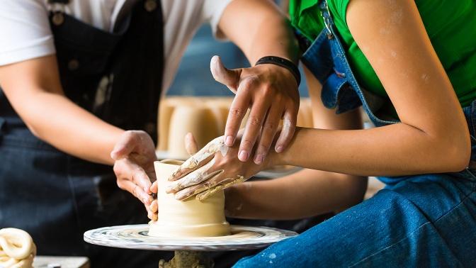 Посещение мастер-класса погончарному мастерству, индивидуальный романтический мастер-класс для пары вгончарной студии MasterstvoMsk