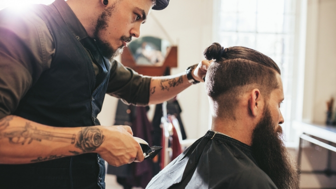 Мужская или детская стрижка вместе либо поотдельности, камуфляж волос, оформление бороды вбарбершопе Iren