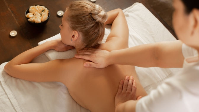 3, 5или 10сеансов общего, антицеллюлитного, лимфодренажного, медового массажа, массажа спины либо шейно-воротниковой зоны встудии красоты «Притяжение»