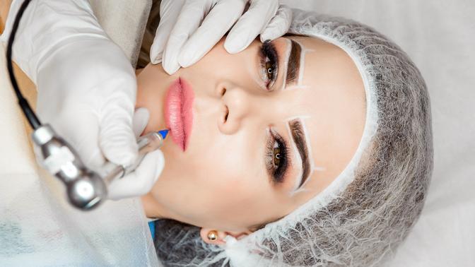 Перманентный макияж, шотирование области скул или микроблейдинг бровей встудии красоты Bravissimo