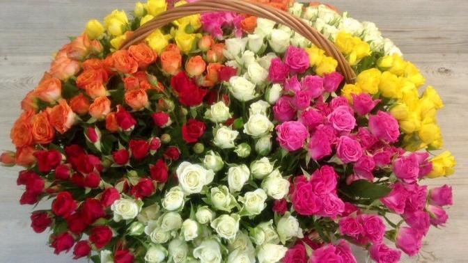 Авторская композиция вкорзине, розы вкоробке, букет изроз или тюльпанов