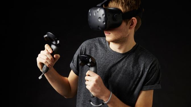 Игра вшлеме виртуальной реальности отклуба Q-Zar