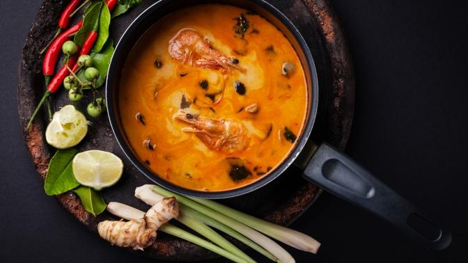 Блюда инапитки, включая алкогольные, втайском ресторане Baan Thai соскидкой50%