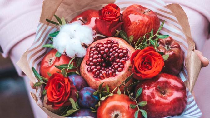 Урок посборке фруктового букета или букета-гамбургера отмастерской FruitDecor
