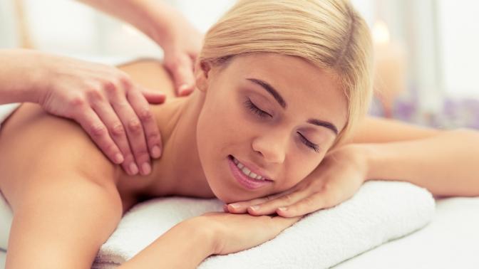 Сеансы лимфодренажного, баночного массажа тела намасле или меде икофе, relax-массажа, массажа рук, ног или шейно-воротниковой зоны вкабинете косметического массажа «Силуэт»