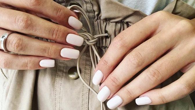 Маникюр ипедикюр спокрытием ногтей гель-лаком встудии красоты Vobraze