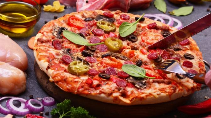 Роллы, суши, пицца иwok отслужбы доставки «ПоШиреХари» соскидкой50%