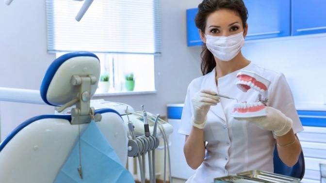 Лечение кариеса сустановкой пломбы встоматологии Implant