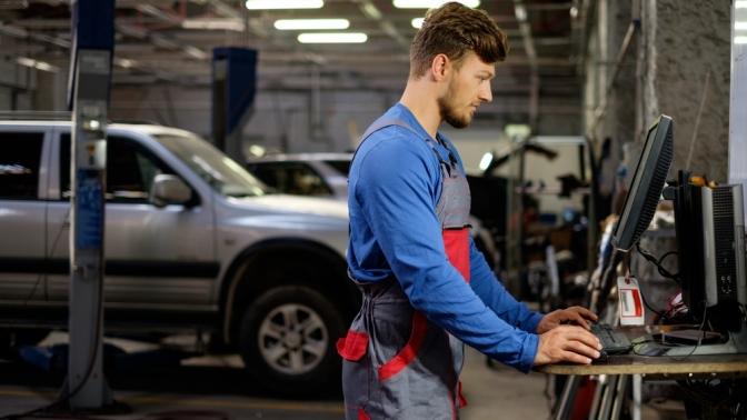 Диагностика, антибактериальная обработка автомобиля, замена масла, тормозной, охлаждающей жидкости, замена тормозных колодок откомпании Garage Gang