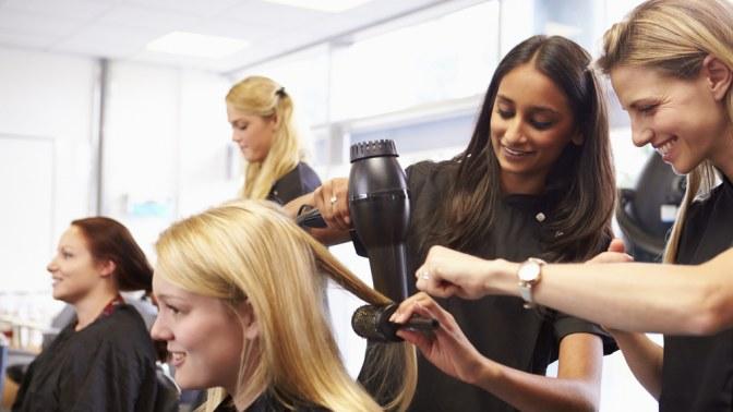 Курс перманентного макияжа бровей, парикмахерского искусства или ногтевого сервиса отсалона красоты Comely