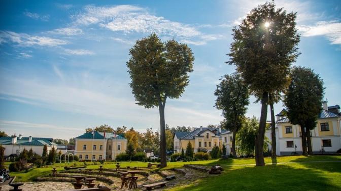 Отдых вСуздале для двоих спроживанием вгостиничном комплексе «Пушкарская Слобода»