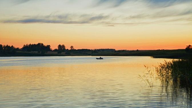 Отдых наберегу Вазузского водохранилища вкоттедже спакетом «Рыболов» или «Водная прогулка» либо без набазе отдыха «Зазерки»