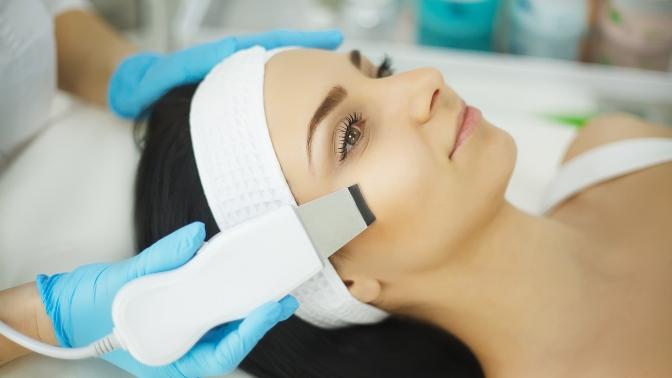 Чистка или комплексные программы поомоложению кожи лица всалоне Wise Royal SPA