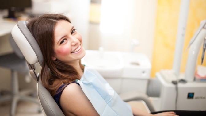 Гигиена полости рта, лечение кариеса иустановка пломбы вклинике «Новое поколение»