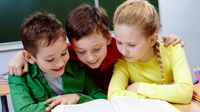 Групповые занятия поментальной арифметике, скорочтению или занимательной каллиграфии вразвивающем центре SmartyKids