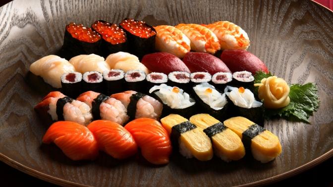 Сеты роллов отслужбы доставки «Кицунэ суши» соскидкой50%