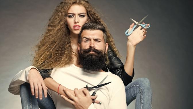 Женская, детская или мужская стрижка, окрашивание, тонирование, выпрямление, уходовые процедуры для волос встудии красоты Moloko