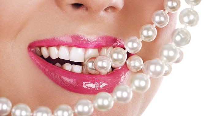 Комплексная чистка зубов или лечение кариеса любой сложности встоматологии «Тера-Стом»
