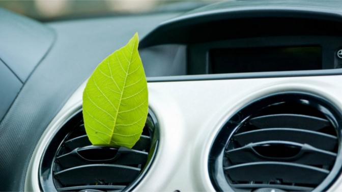 Заправка автомобильного кондиционера вавтотехцентре «Яуза Адмирал Авто» (950руб. вместо 2500руб.)