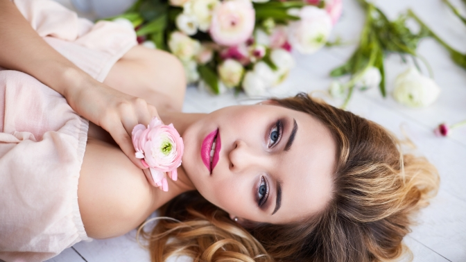 Комбинированная чистка лица, пилинг, RF-лифтинг или программы поуходу залицом вцентре эстетической медицины «Лира-С»