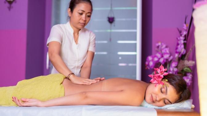 SPA-программа «Волшебство Сиама», «Фруктовый заряд» или «Волшебная стоун-терапия» всалоне тайского массажа ThaiSpa