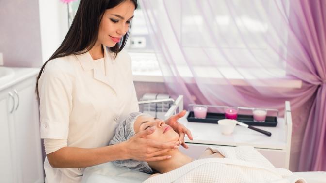 Процедуры поуходу залицом встудии красоты «Кристалл»