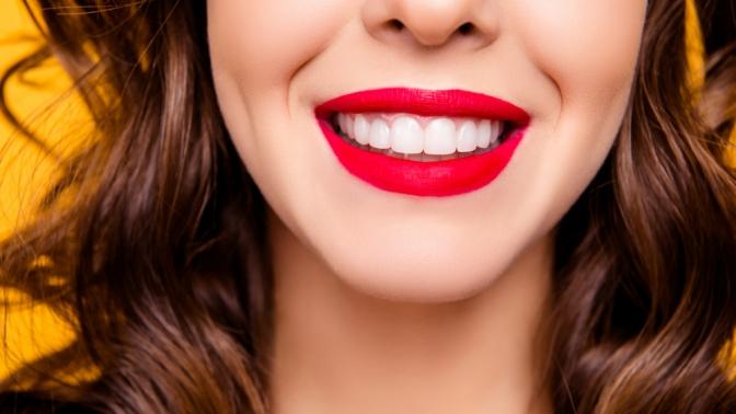 Гигиена полости рта, отбеливание зубов, лечение кариеса сустановкой пломбы встоматологической клинике Venta Dent
