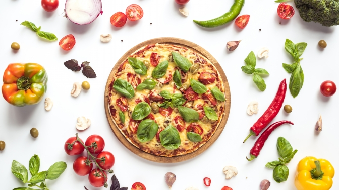 Вся пицца отслужбы доставки «Pizza Мания» соскидкой50%