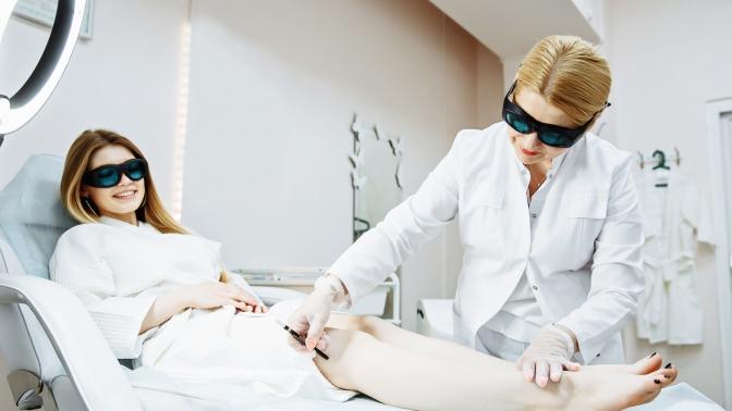 Абонемент на3или 6месяцев безлимитного посещения сеансов лазерной эпиляции лица итела александритовым лазером Cynosure Apogee или сеансов фотоэпиляции вклинике эстетической, лазерной иинвазивной хирургии «Элита»
