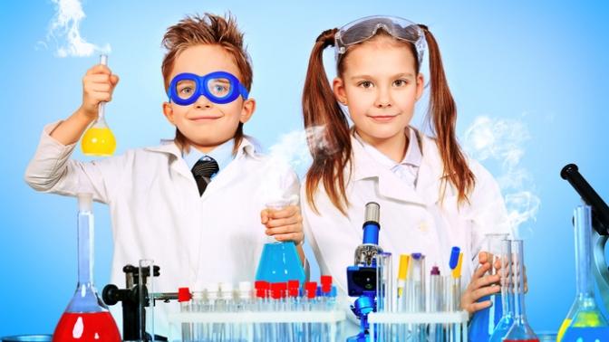 Абонемент на4, 8или 12занятий понаправлению «Химия» либо организация научного дня рождения вклубе юных химиков Open Lab