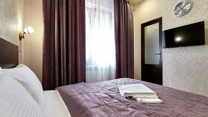 Отдых вцентре Краснодара вномере категории эконом, стандарт или люкс вHotel Altay