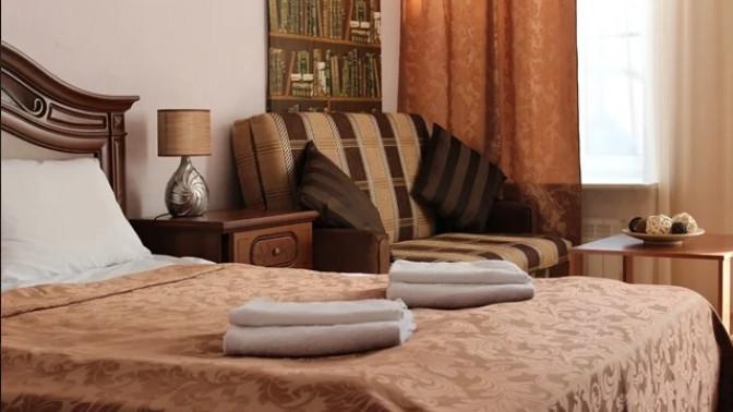 Отдых в центре Санкт-Петербурга для одного, двоих или троих в отеле «Венеция»