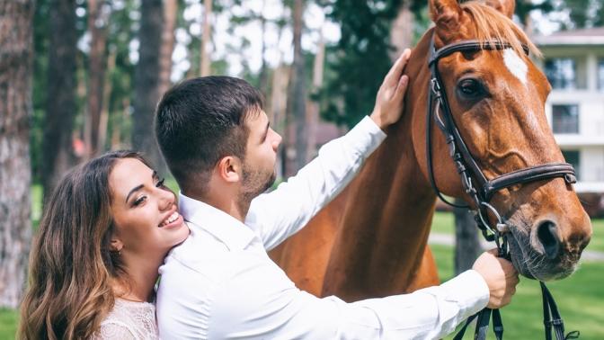 Фотосессия слошадью, 1или 2часа конной прогулки, романтическая либо квест-прогулка налошадях или путешествие налошадях для детей отконного двора «Хутор»
