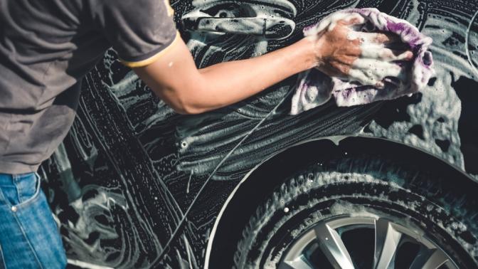 Комплексная химчистка салона идисков, полировка кузова ифар, нанесение покрытия «Жидкое стекло» откомпании «Автомойка 34RUS»
