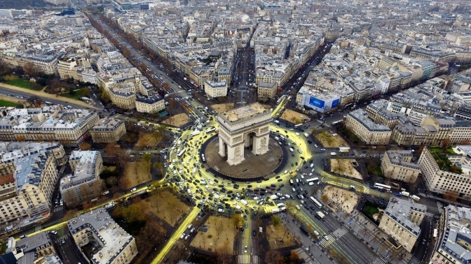 Экскурсия поПарижу, Версалю, Нормандии, Бельгии, вЖиверне, Фонтенбло или Долину Лауры откомпании Paris Travel Transfer соскидкой 30%
